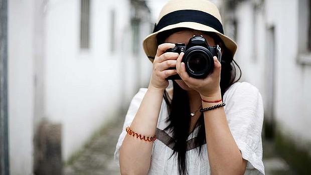 girl-dlr-camera-getty-images.jpg
